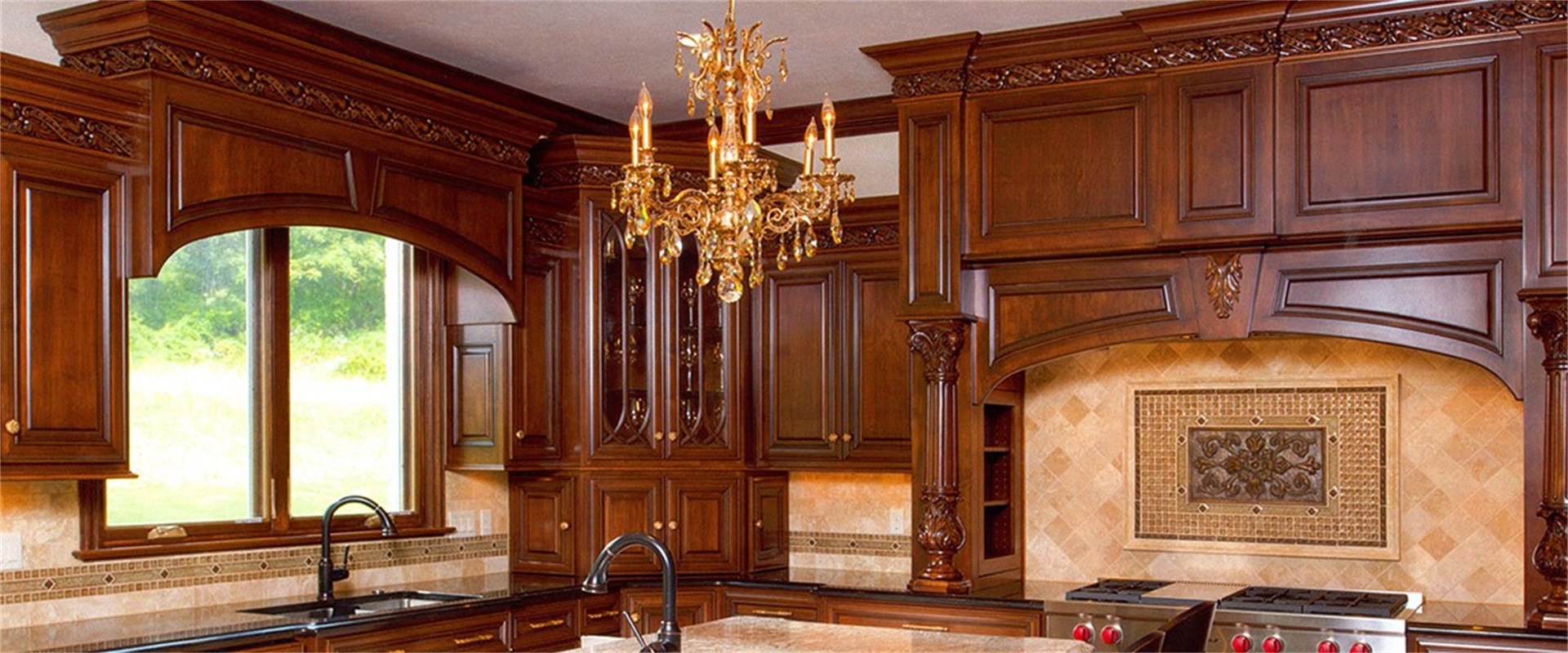richly_stained_gourmet_kitchen